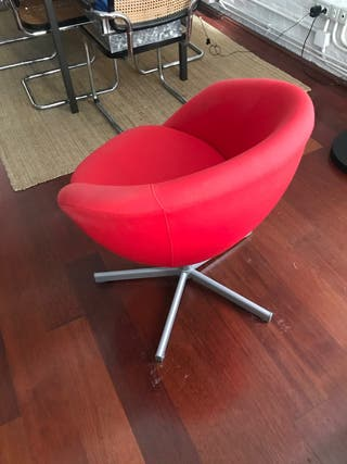 sillón Ikea rojo