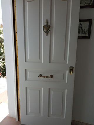 Se vende puerta de entrada