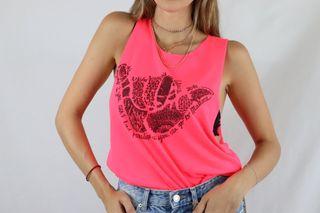Camiseta rosa fosforito surfera talla M
