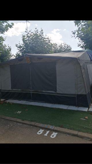 Caravana fija en camping hospital de orbigo