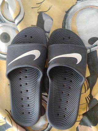 chanclas Nike 37
