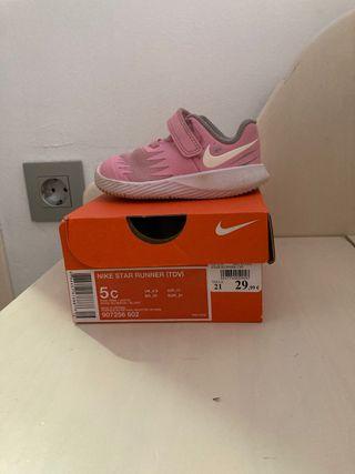 Zapatilla Nike con suela