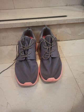 Nike roshe talla 15
