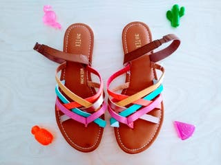 Sandalias planas multicolor