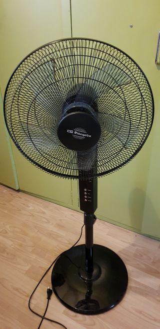 ventilador de pie 65W + mando