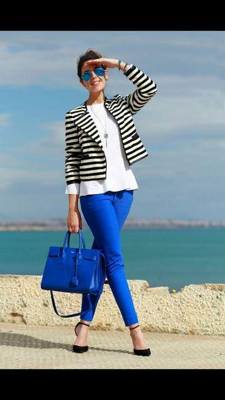 Pantalón azul klein Zara
