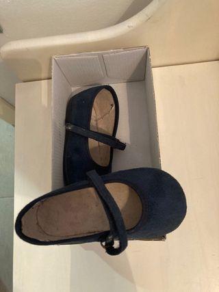 Zapatos con suela (pisamonas)