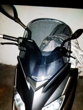 BAJO EL PRECIO. VENDO MOTOCICLETA YAMAHA XMAX-250.