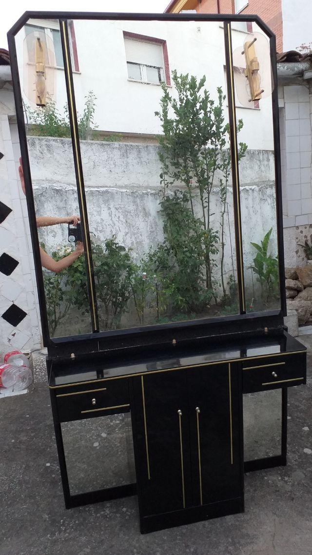 Entrada/ recibidor con espejo