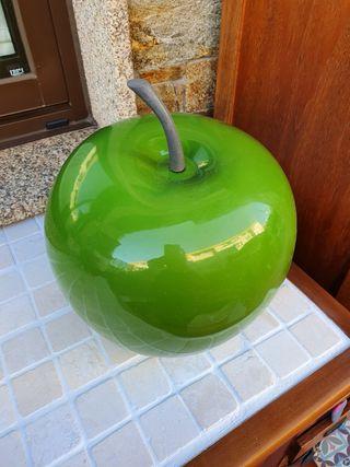 Manzana decorativa grande