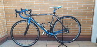 Bicicleta carretera Focus Cayo 3.0 Carbono Talla M
