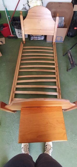 Camas individuales o litera de madera