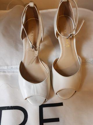 Zapato blanco novia San Marina