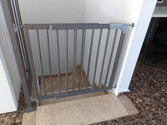 Valla de seguridad infantil de madera