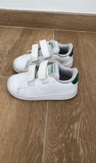Zapatillas niño Adidas talla 25