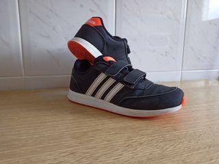 Zapatillas Adidas Niño-Niña talla 35.