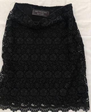 Falda negra encaje Zara