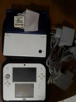 Nintendo 2ds y 2 Nintendo DSi.