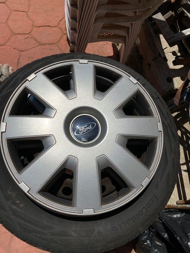 Tapacubos Ford