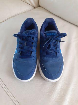 zapatillas Adidas de niño # 36, en buen estado