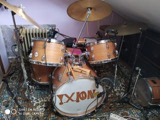 batería, órgano.... todo completo...