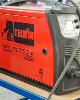 Soldadora Telwin Technomig 215 dual