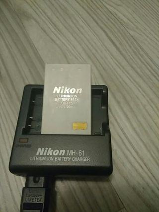 Cargador original Nikon MH-61 con batería Nikon