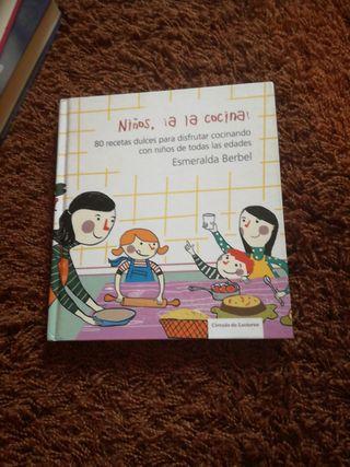 """Libro """"Niños, a la cocina"""""""
