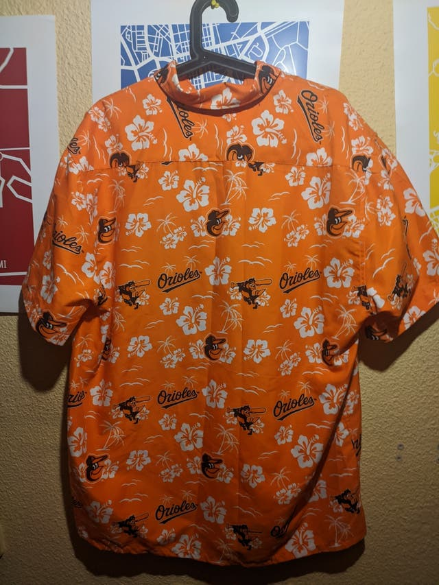 Camiseta Orioles estilo Hawaii