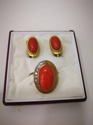 conjunto de anillo y pendientes oro 18 kilates