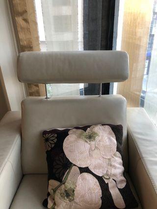 Butaca reclinable eléctrica de piel, marca Kanaba
