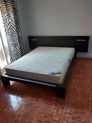 cama de dormitorio