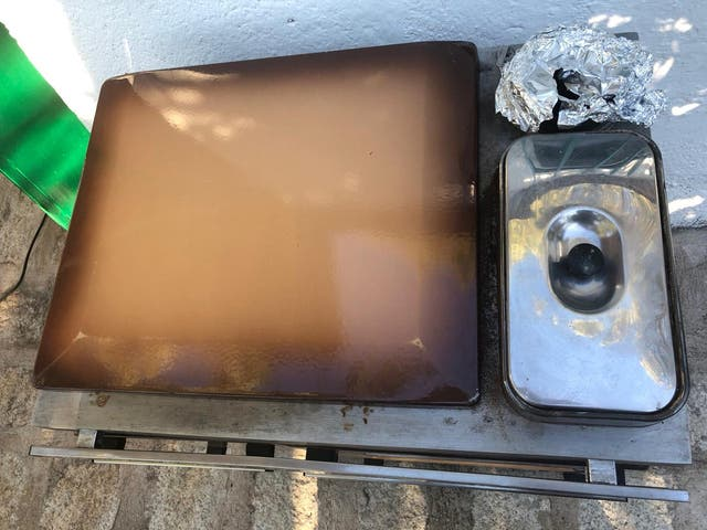 Estufa-cocina- horno de leña antigua