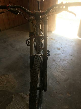 Bicicleta enduro specialized