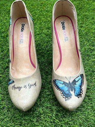 Zapatos de Tacon Dogo. Talla 38