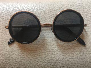 Gafas de sol negras moderna