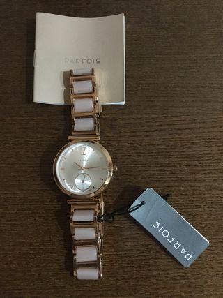 Reloj de mujer marca PARFOIS