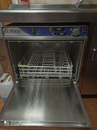 Lavaplatos industrial cocina