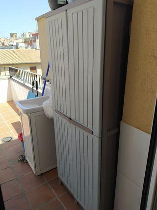 Armario escobero de terraza