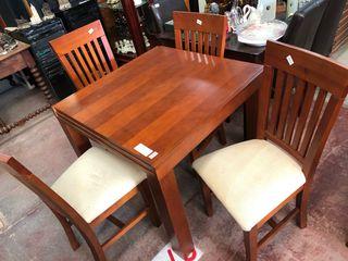 Juego comedor mesa y 4 sillas