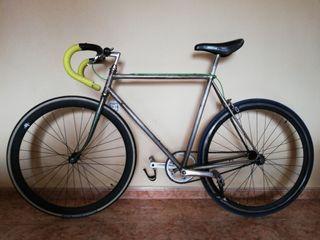 Fixie, bicicleta.