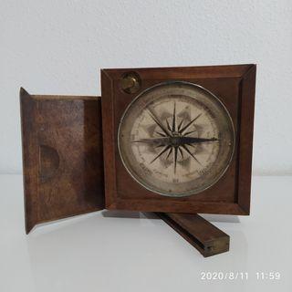 Brújula siglo XIX