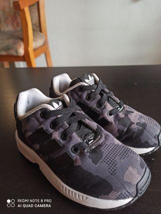 zapatillas Adidas de niños talla 24