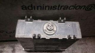 Centralita motor uce Volkswagen Golf iii berlina a