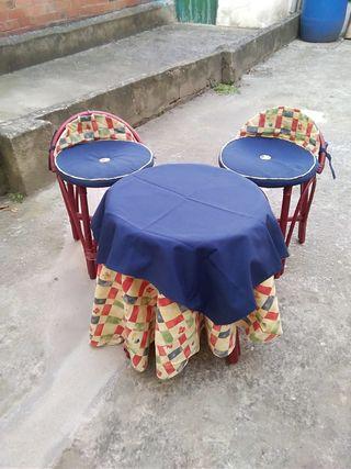 pack de sillas y mesas para tomar te