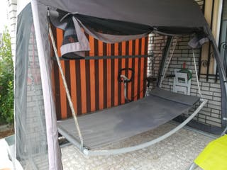 hamaca balancín con mosquitera