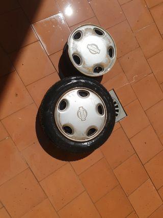 ruedas con tapacubos nissan 13 pulgadas