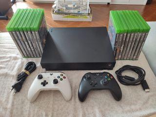 Xbox one x + 2 mandos+ 13 juegos