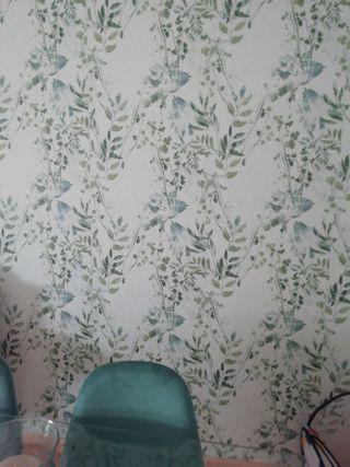rollo papel pintado pared