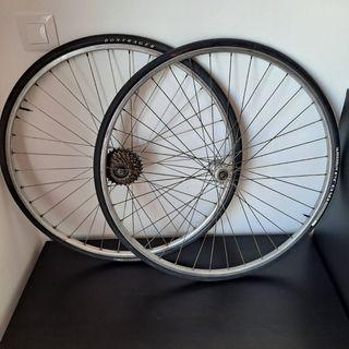 ruedas bicicleta carretera o hibrida